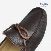 4709-conductor-piel-marron-detalle-calzados-segarra